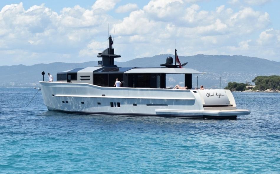 Yacht Good Life Exterior 1