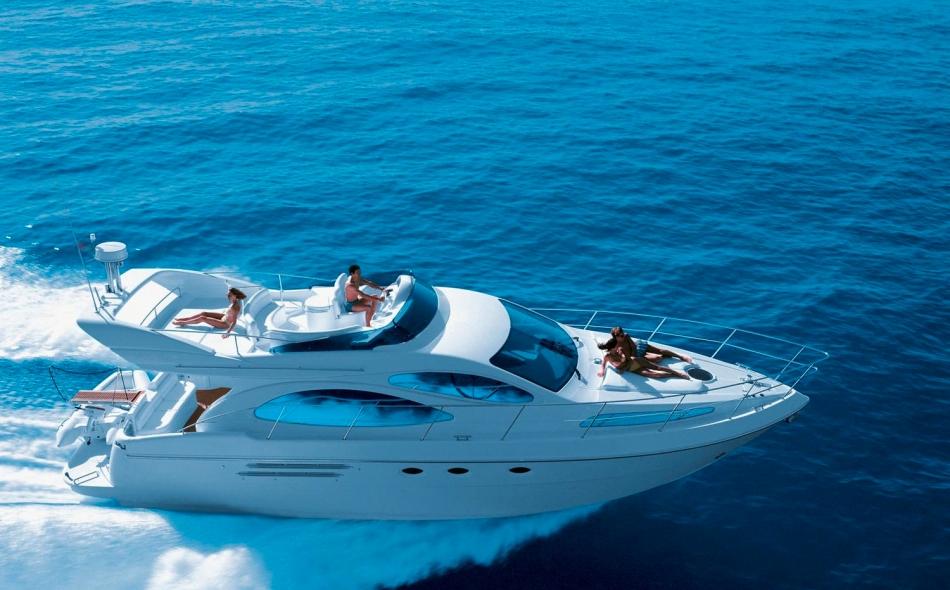Astondoa Yacht Shot
