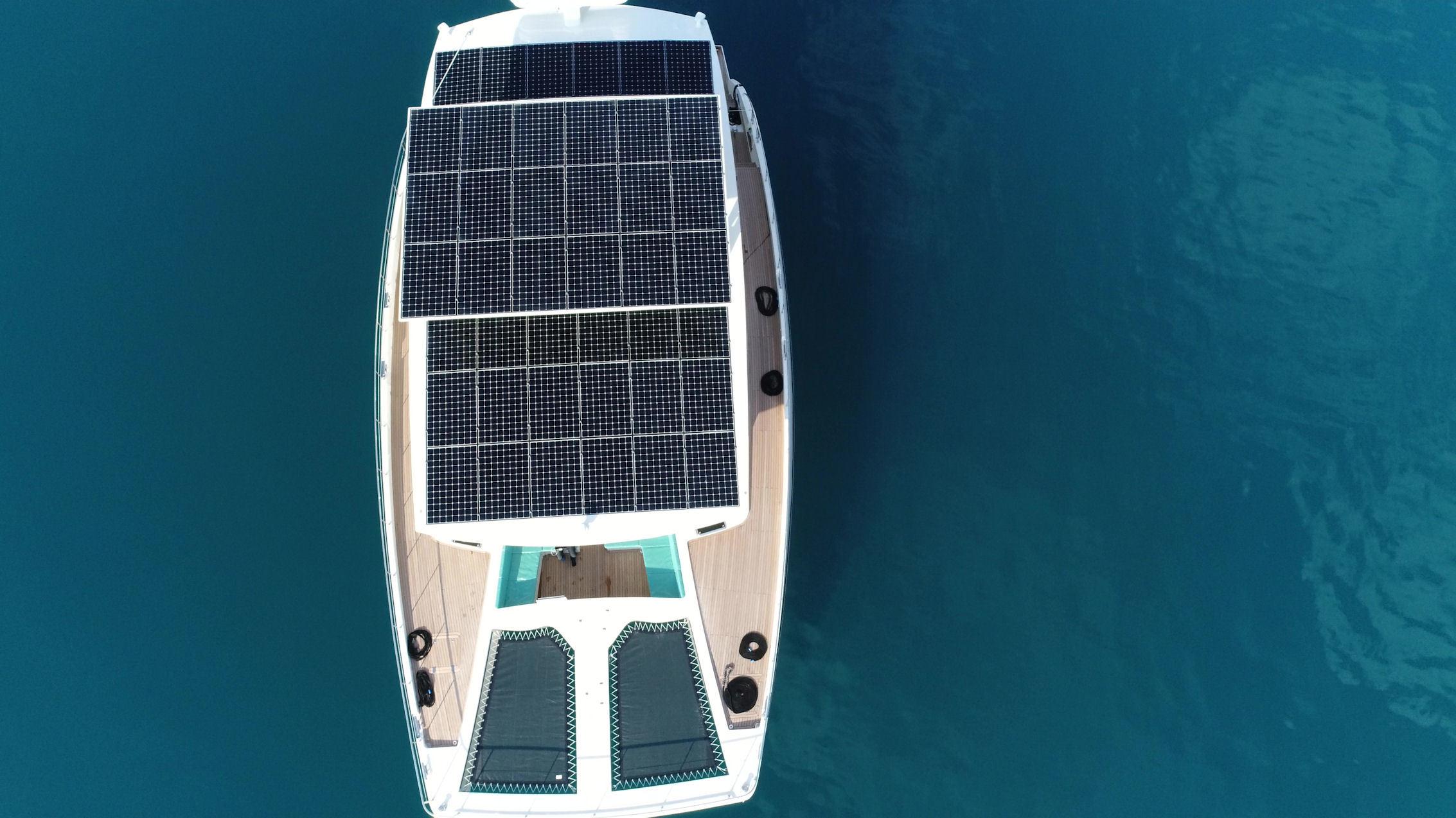 نتيجة بحث الصور عن Serenity 64 - Solar Yacht